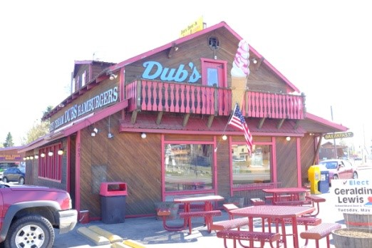 Famous for their soft serve ice cream, they serve up giant cones, sundaes, shakes, dipped cones with sprinkles and more.